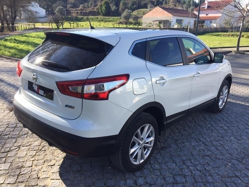 nissan qashqai 1 5 dci connec carros usados para venda autouncle. Black Bedroom Furniture Sets. Home Design Ideas