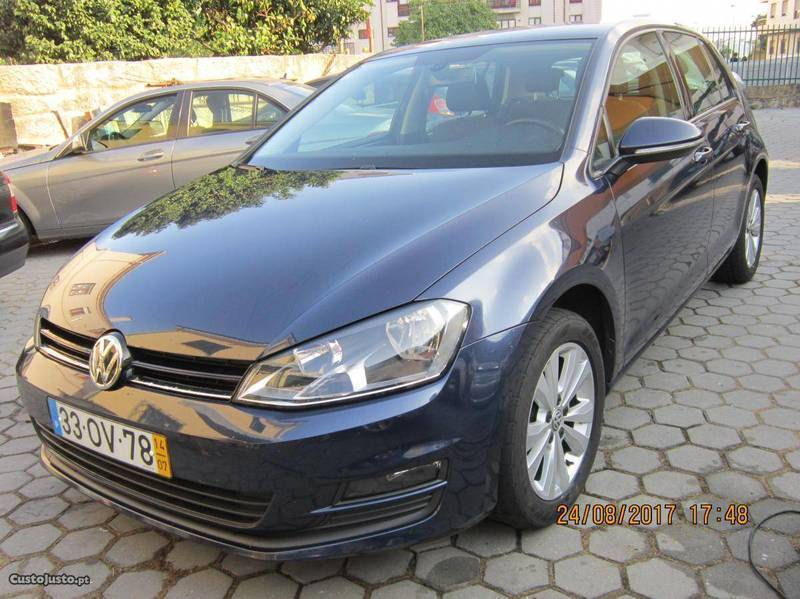 sold vw golf vii 1 6 tdi 105cv 14 carros usados para venda. Black Bedroom Furniture Sets. Home Design Ideas