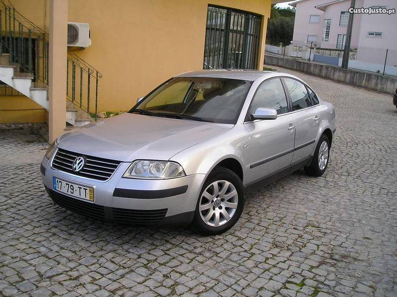sold vw passat 1 9 tdi 130 cv carros usados para venda autouncle. Black Bedroom Furniture Sets. Home Design Ideas