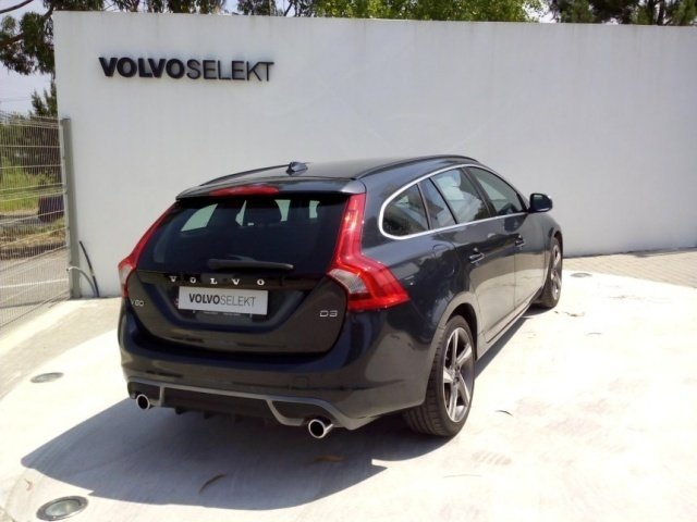 Sold Volvo V60 2.0 D3 R-Design (16. - Carros usados para venda