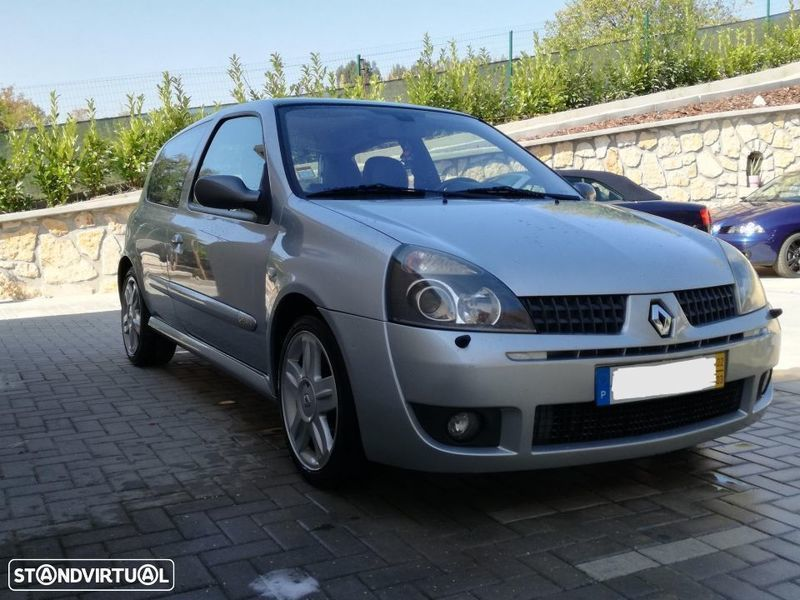 Sold Renault Clio R S  Sport 2 0 1