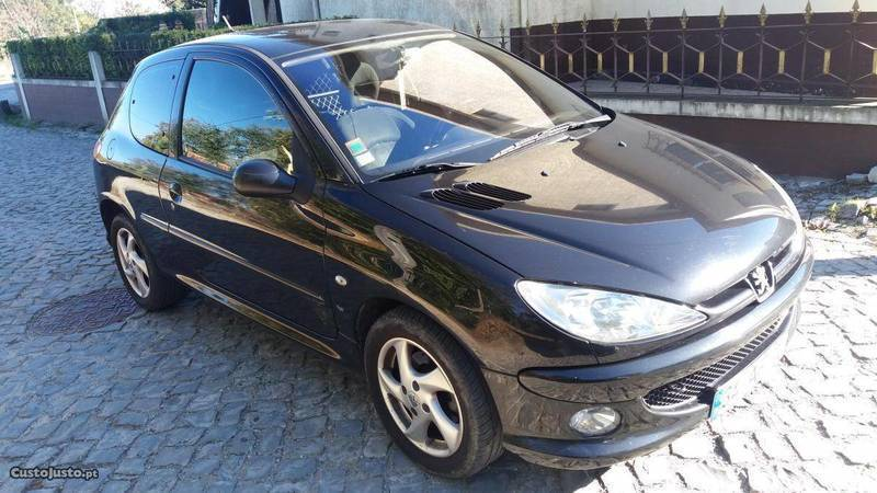 sold peugeot 206 1 6 hdi 110cv xs carros usados para venda. Black Bedroom Furniture Sets. Home Design Ideas