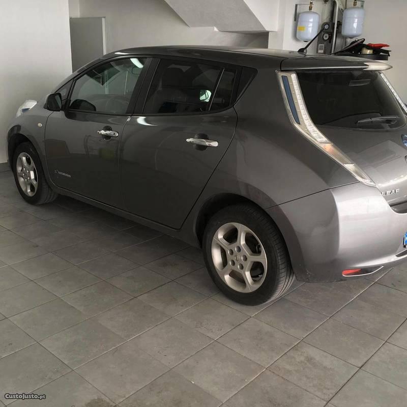 sold nissan leaf acenta 24 kw 14 carros usados para venda. Black Bedroom Furniture Sets. Home Design Ideas