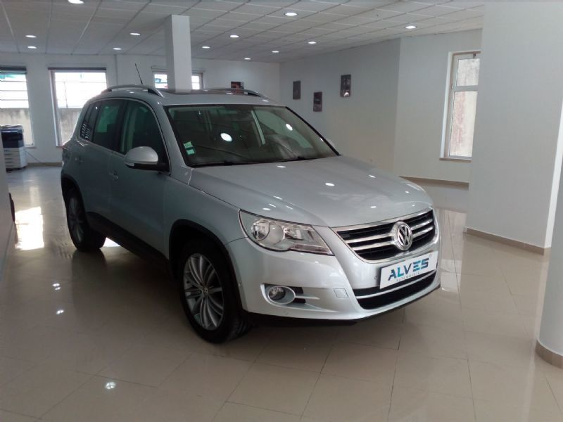 sold vw tiguan 2 0 tdi 140 cv spor carros usados para venda. Black Bedroom Furniture Sets. Home Design Ideas
