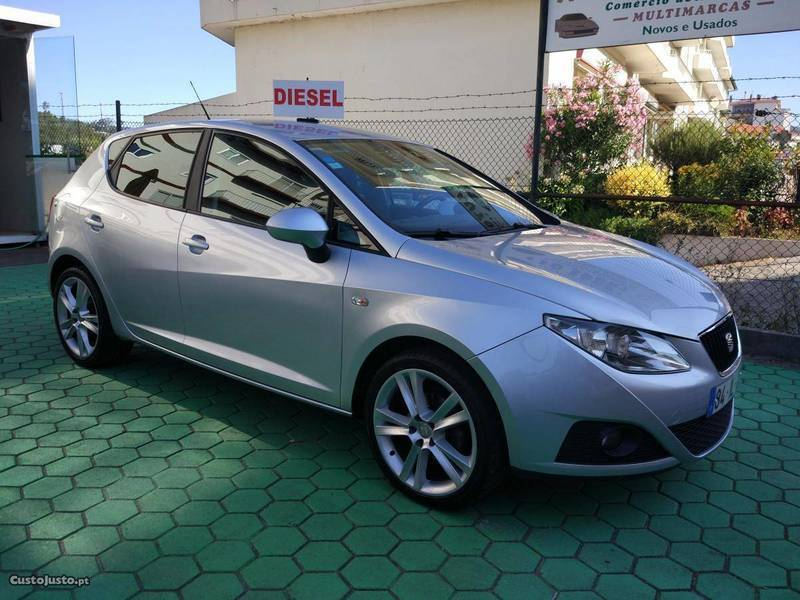 seat ibiza 1 6 tdi 25 anos dpf carros usados para venda autouncle. Black Bedroom Furniture Sets. Home Design Ideas