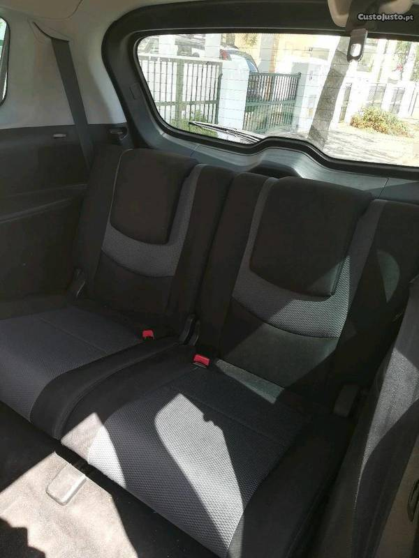 1/4 Usado Mazda 5 5mzr Cd 2.0 Sport