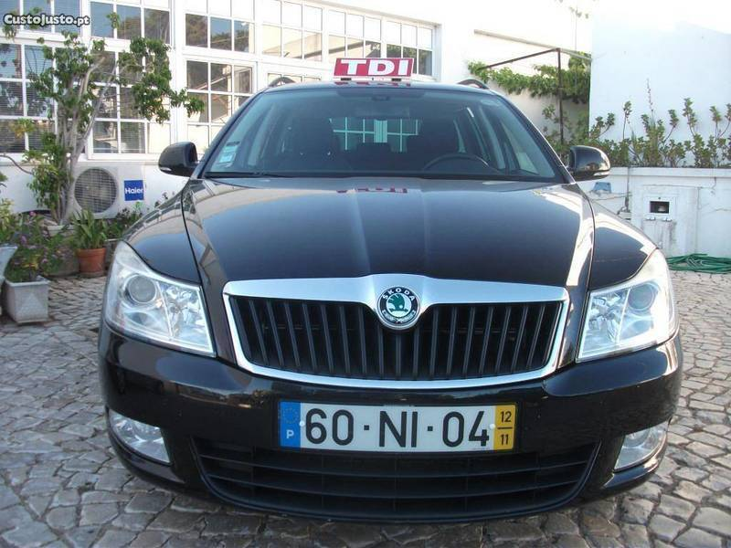 sold skoda octavia 1 6 tdi 105cv carros usados para venda. Black Bedroom Furniture Sets. Home Design Ideas
