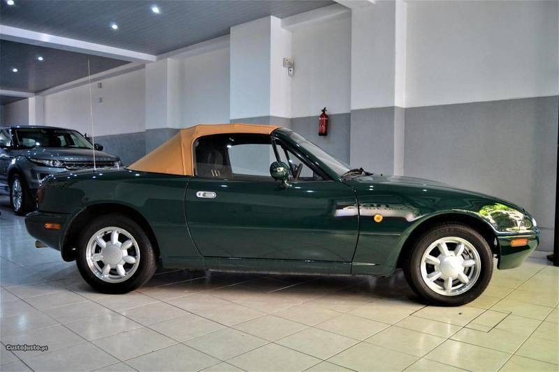 sold mazda mx5 1 6 cabrio 90cv 2p carros usados para venda. Black Bedroom Furniture Sets. Home Design Ideas