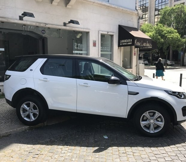 Sold Land Rover Discovery Sport SE.