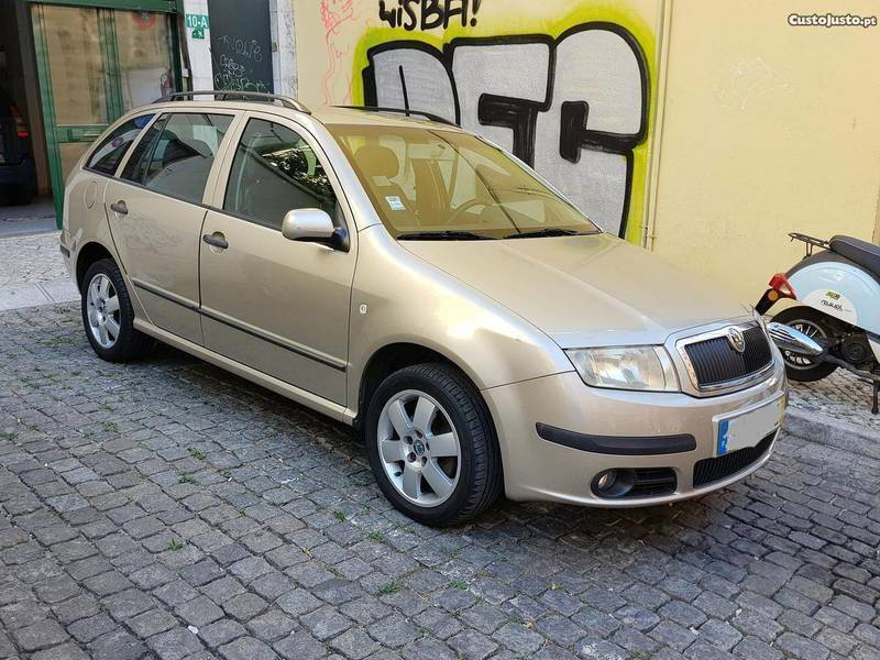 sold skoda fabia break 1 4tdi 90cv carros usados para venda. Black Bedroom Furniture Sets. Home Design Ideas