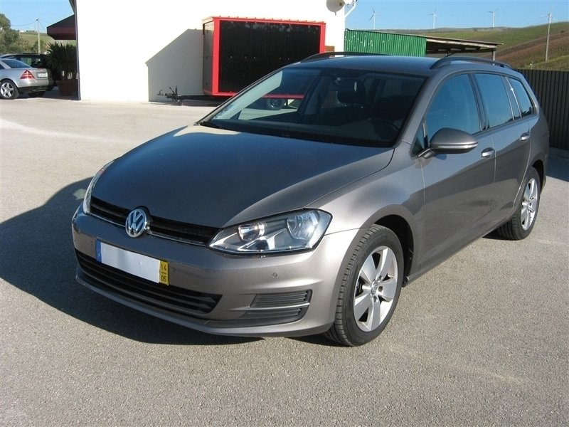 sold vw golf v 1 6 tdi bluemotion carros usados para venda. Black Bedroom Furniture Sets. Home Design Ideas