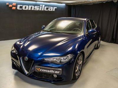 usado Alfa Romeo Giulia 2.2D Turbo Automático Sport 17