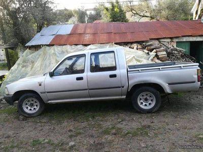 używany Toyota HiLux 2.4 D