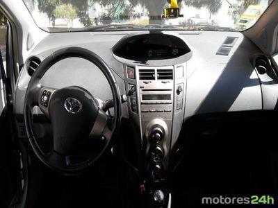 usado Toyota Yaris 1.33 VVT-i
