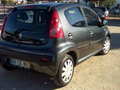 usado Peugeot 107 1.0 Trendy 5 portas -