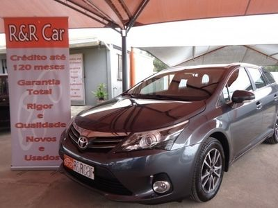 usado Toyota Avensis SW 2.0 D-4D Exclusive GPS