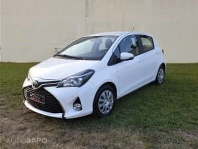 usado Toyota Yaris 1.4D Confort Pack Style
