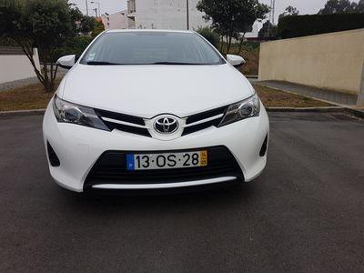 usado Toyota Auris Buizz Comercial