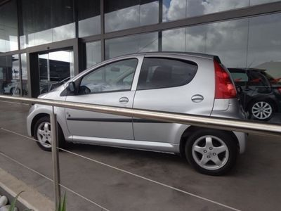 usado Peugeot 107 1.0 Black&Silver E5