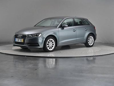 usado Audi A3 1.6 TDi Business Line Attraction
