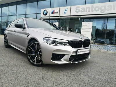 usado BMW M5 - Serviço
