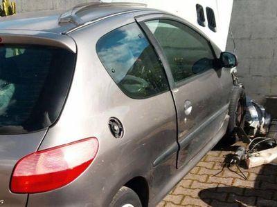 usado Peugeot 206 XR 3P em peças