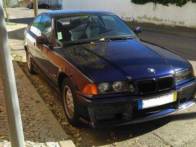 usado BMW 320 320 i Coupé -
