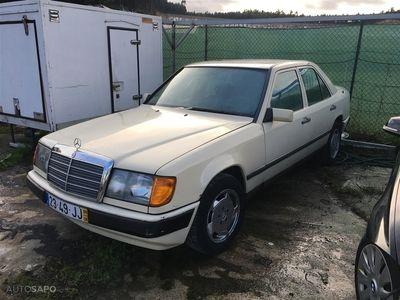 usado Mercedes 200 D (73cv) (4p)