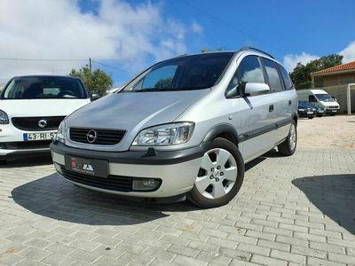 usado Opel Zafira 2.2 DTi Elegance