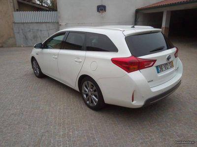 usado Toyota Auris Híbrido