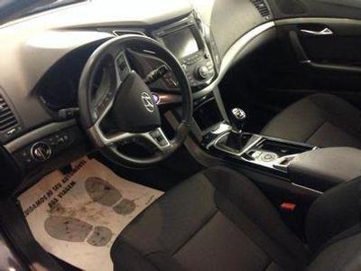usado Hyundai i40 SW 1.7 CRDi COMFORT