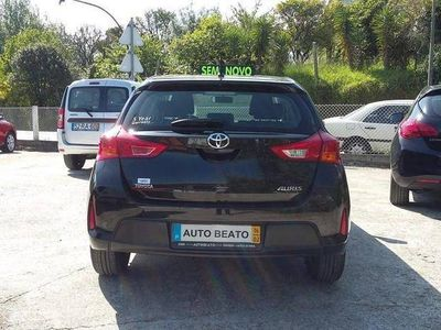 usado Toyota Auris 1.4 D4D -