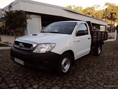 usado Toyota HiLux 2.5 D-4D 2WD CS CM