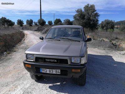 usado Toyota HiLux 4x4 2.4d