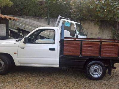usado Toyota HiLux D4D_cab simples:4x2