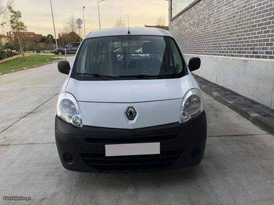 usado Renault Kangoo 2011 99mil Km 2LUG