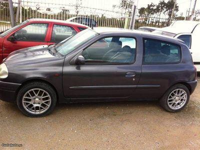 usado Renault Clio 16v sport troco -