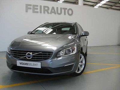 usado Volvo V60 D2 120cv Momentum Man 6 Vel.
