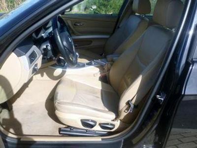 usado BMW 320 d Touring Navigation