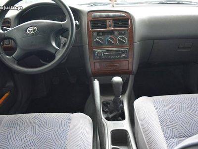 usado Toyota Avensis SEDAN 2.0 -