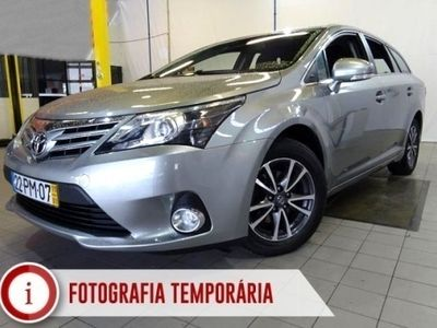 usado Toyota Avensis SW 2.0 D-4D Exclusive + GPS