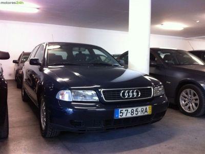 usado Audi A4 1.9 TDI Attraction