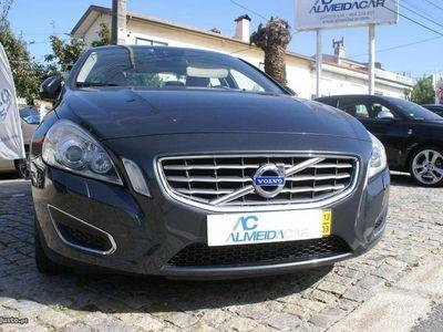 gebraucht Volvo V60 2.0 D4 R-Design