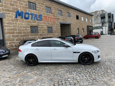 usado Jaguar XE 2.0 D R-Sport Aut.