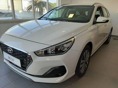 usado Hyundai i30 SW 1.6 CRDi 116cv Style + Navi MY195 2019