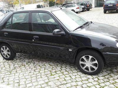 usado Citroën Saxo 1.1i -