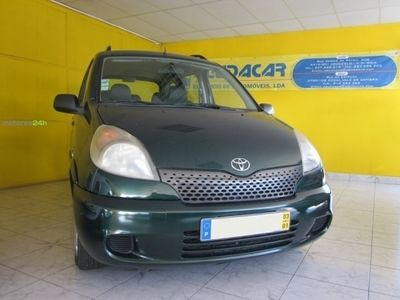 usado Toyota Yaris Verso 1.4 D-4D Luna ABS+CD