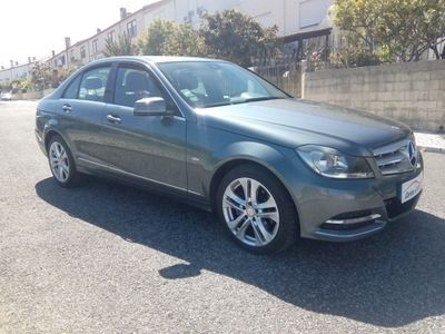 usado Mercedes C220 CDi Avantgarde BE 131g Aut.
