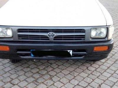 used Toyota HiLux 2.4