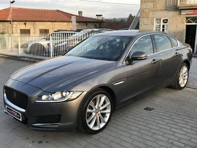 usado Jaguar XF 2.0D Auto 180cv